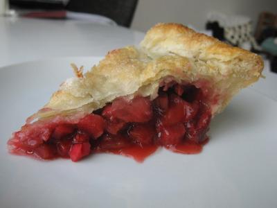 Strawberry rhubarb pie with leaf lard crust